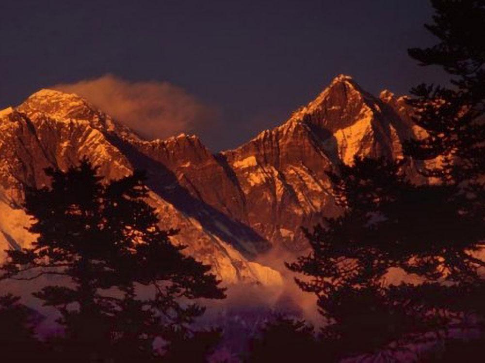 Mt. Everest, Nupse und Lhotse von Thyangboche